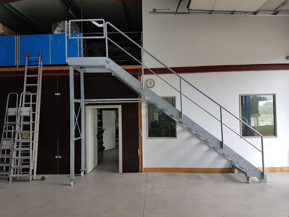 metallbau schlosserei edelstahl yachttechnik zerspanung treppen in pl n ascheberg kiel schleswig. Black Bedroom Furniture Sets. Home Design Ideas